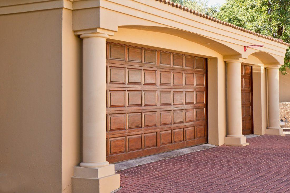 real-estate-374190_1280