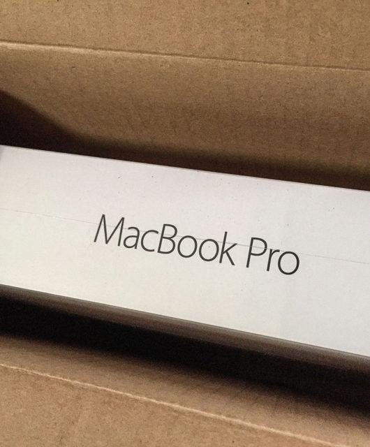 MacBook_Pro_Box_(23526318026)