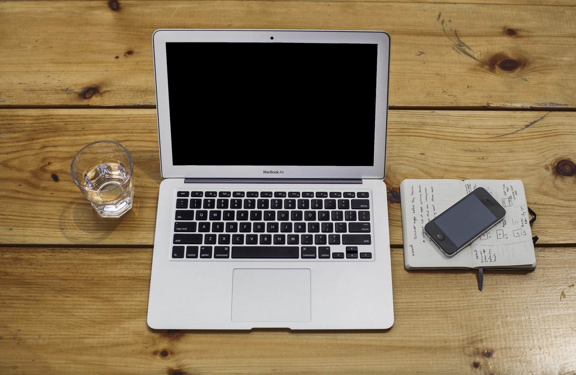 macbook-air-pc-ordinateur