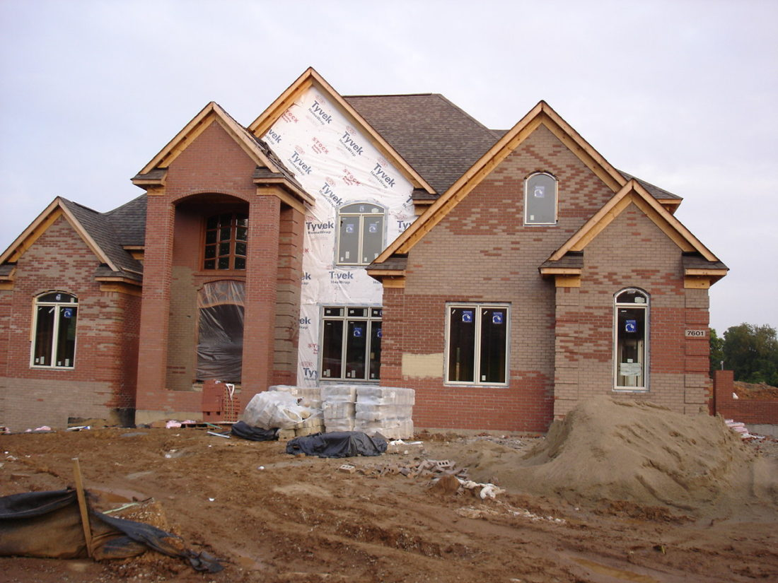 Mcmansion_under_construction