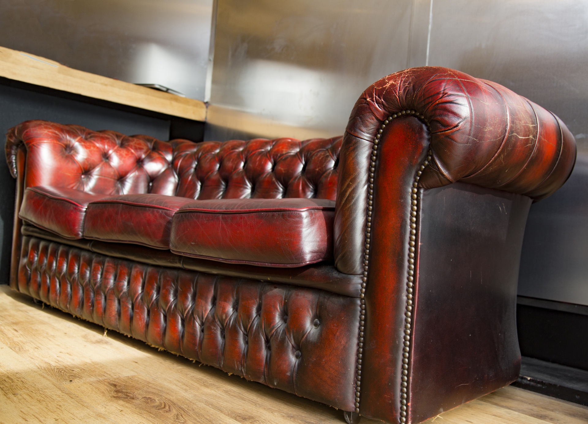How To Remove Common Stains From Leather Sofas