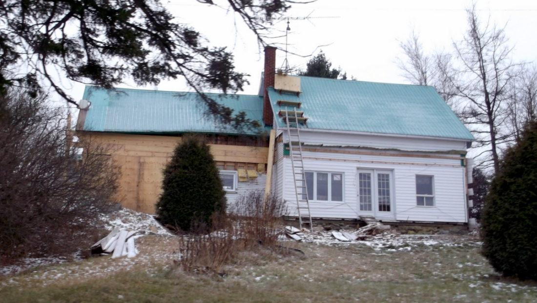 House_under_renovation_-_panoramio