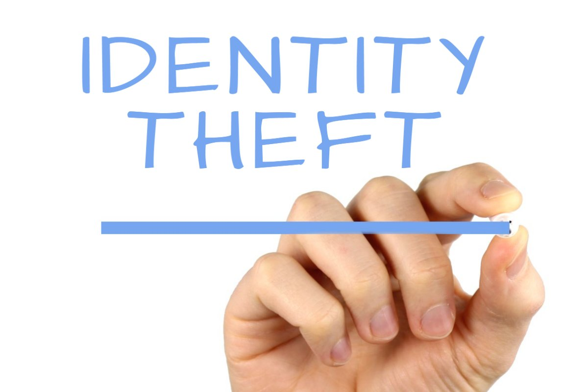 scam fraud and identity theft discussion Fraud targeting taxpayers continues to run rampant watch out for these two tax crimes making headlines: tax identity theft and the irs imposter scam.